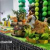 Baby shower safari cake table
